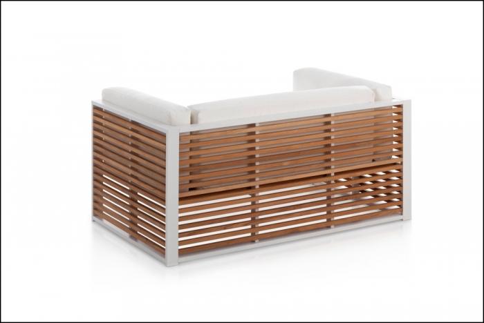 dna teak sofa back white 3 2 700x468 - Sofa 3-Sitzer DNA Teakholz - Gandia Blasco