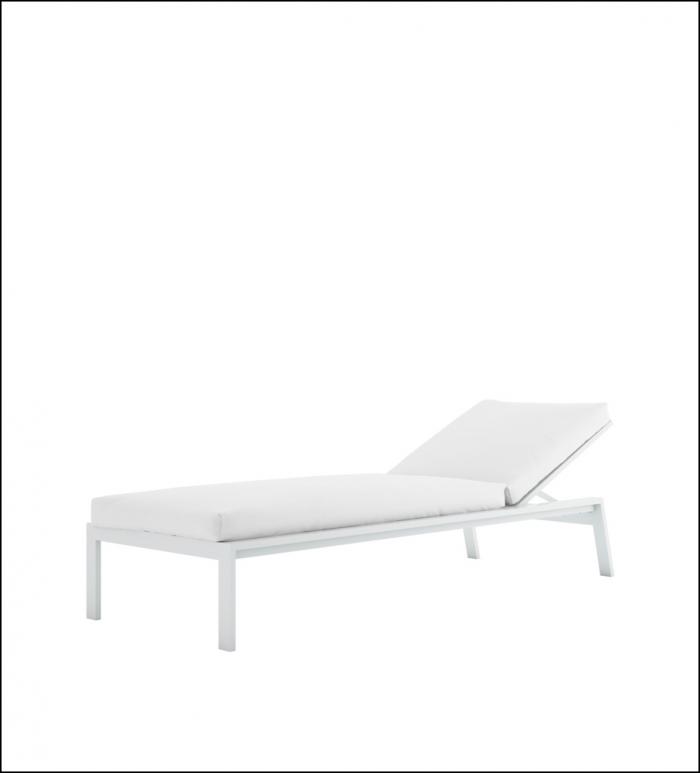 timeless chaiselongue white 2 700x773 - Liege Timeless - Gandia Blasco