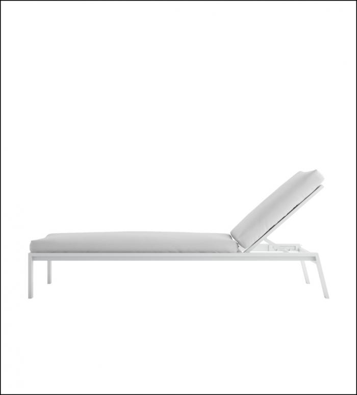 timeless chaiselongue white 3 700x773 - Liege Timeless - Gandia Blasco