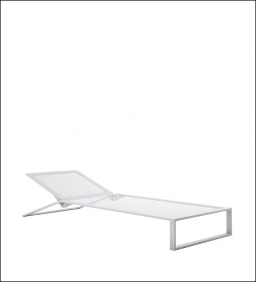 blau white chaiselongue product image 1 500x552 - Liege Blau - Gandia Blasco