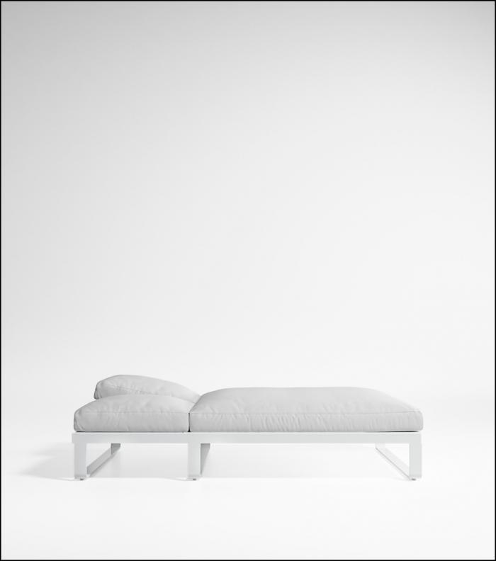 flat white bed chill 140 product image 1 700x792 - Tagesbett Flat - Gandia Blasco