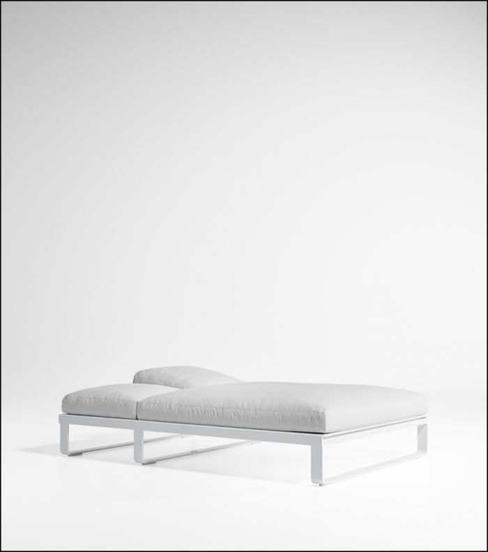 flat white bed chill 140 product image 2 700x792 - Tagesbett Flat - Gandia Blasco