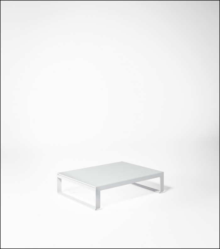 flat white low table 120 product image 2 700x792 - Niedriger Tisch Flat - Gandia Blasco